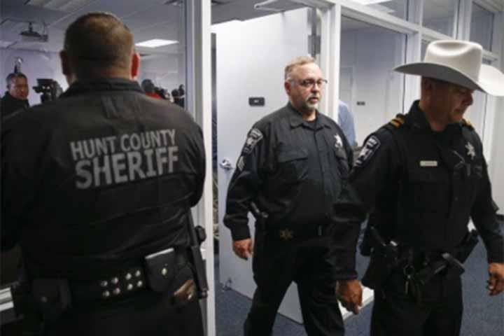 Gunmen kill 2, injured 14 in Texas