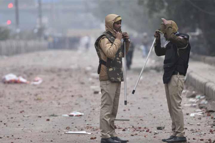 15 illegal bangladeshi behind seelampur clash