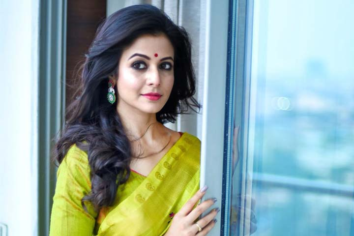 Koel Mallick is a popular heroine of Tollywood