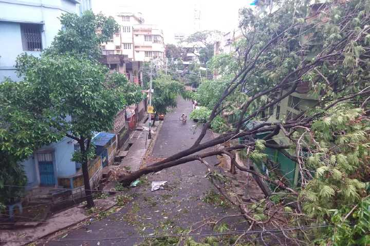 cyclone amphan tears through west bengal
