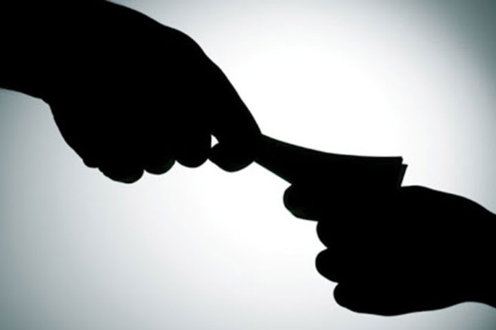 24% of people pay bribes for government services say TI