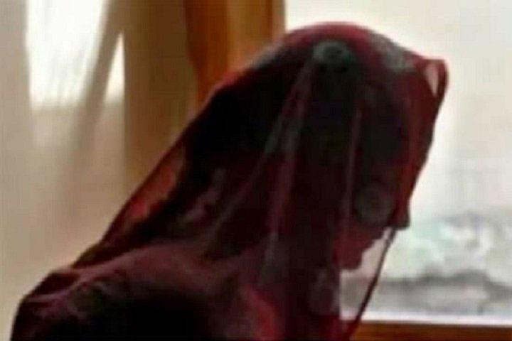 জোর করে দেহব্যবসা করানোর অভিযোগ নারী কাউন্সিলরের বিরুদ্ধে