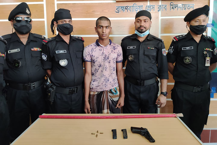 The young man who vandalized Bangabandhu's mural was arrested