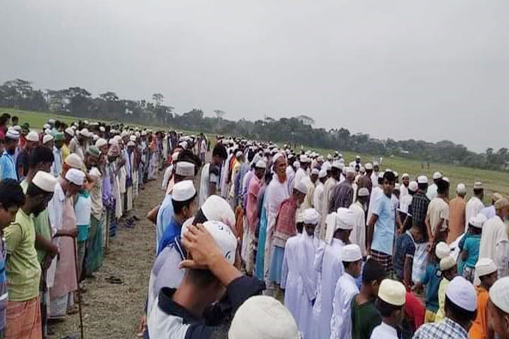 Thousands of people prayed for rain