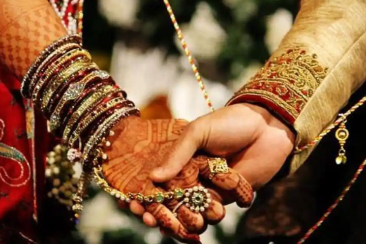 bihar man watches wife of 7 years marry her lover with teary eyes gives blessings