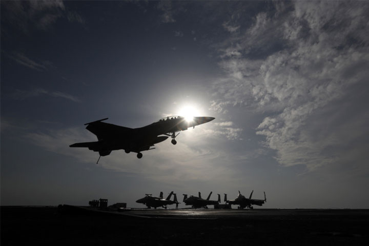 The United States has sent more warplanes to Afghanistan to evacuate troops.