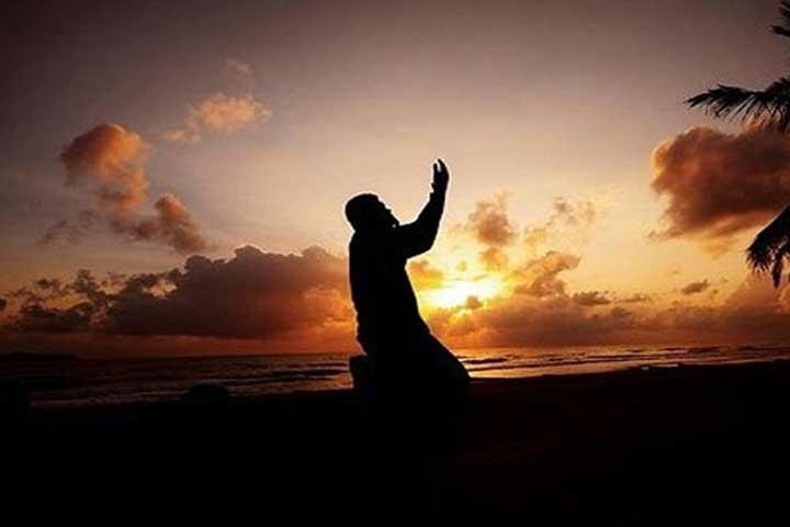 বজ্রপাতের সময় যে দোয়া পড়তেন রাসুলুল্লাহ (সা.)