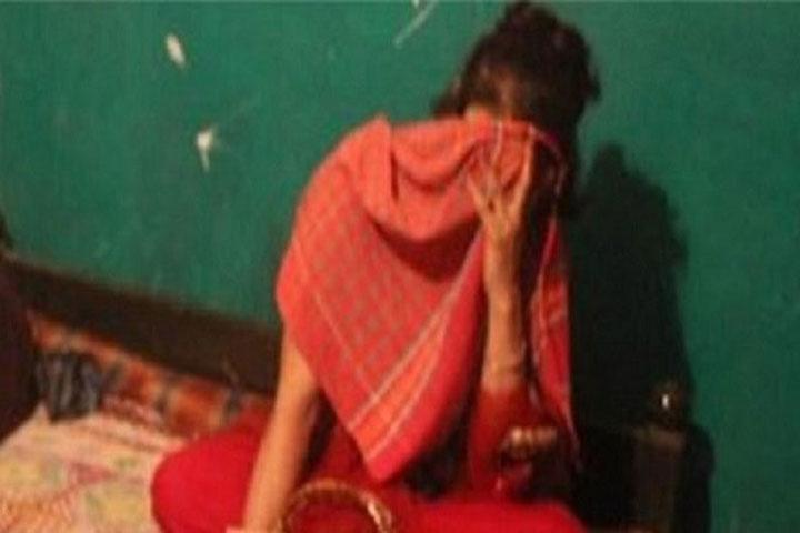 ভাবির মোবাইলে প্রেম, বিয়ের আশ্বাসে ছাত্রীকে ধর্ষণ