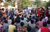 রাবি শিক্ষার্থীকে ছাত্রলীগের মারধর: ঢাকা-রাজশাহী মহাসড়ক অবরোধ