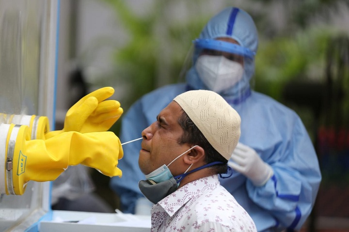 Bangladesh reports 2,111 new Covid cases, 21 deaths