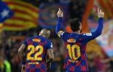 Messi say goodbye to Arturo Vidal