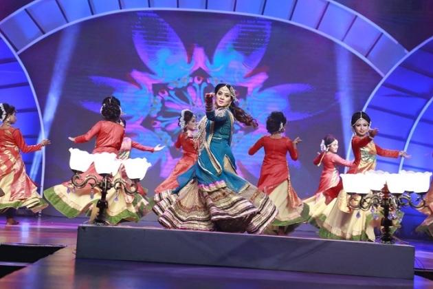 পঞ্চমবারের মতো 'জয়া আলোকিত নারী-২০১৭' সম্মাননা দিলো দেশের শীর্ষস্থানীয় জনপ্রিয় বেসরকারি টেলিভিশন চ্যানেল আরটিভি। তারই চুম্বক অংশ তুলে ধরা হলো-